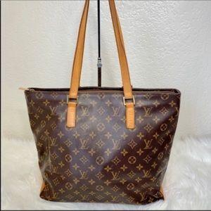 Extra large  Louis Vuitton Shoulder Zipper closure